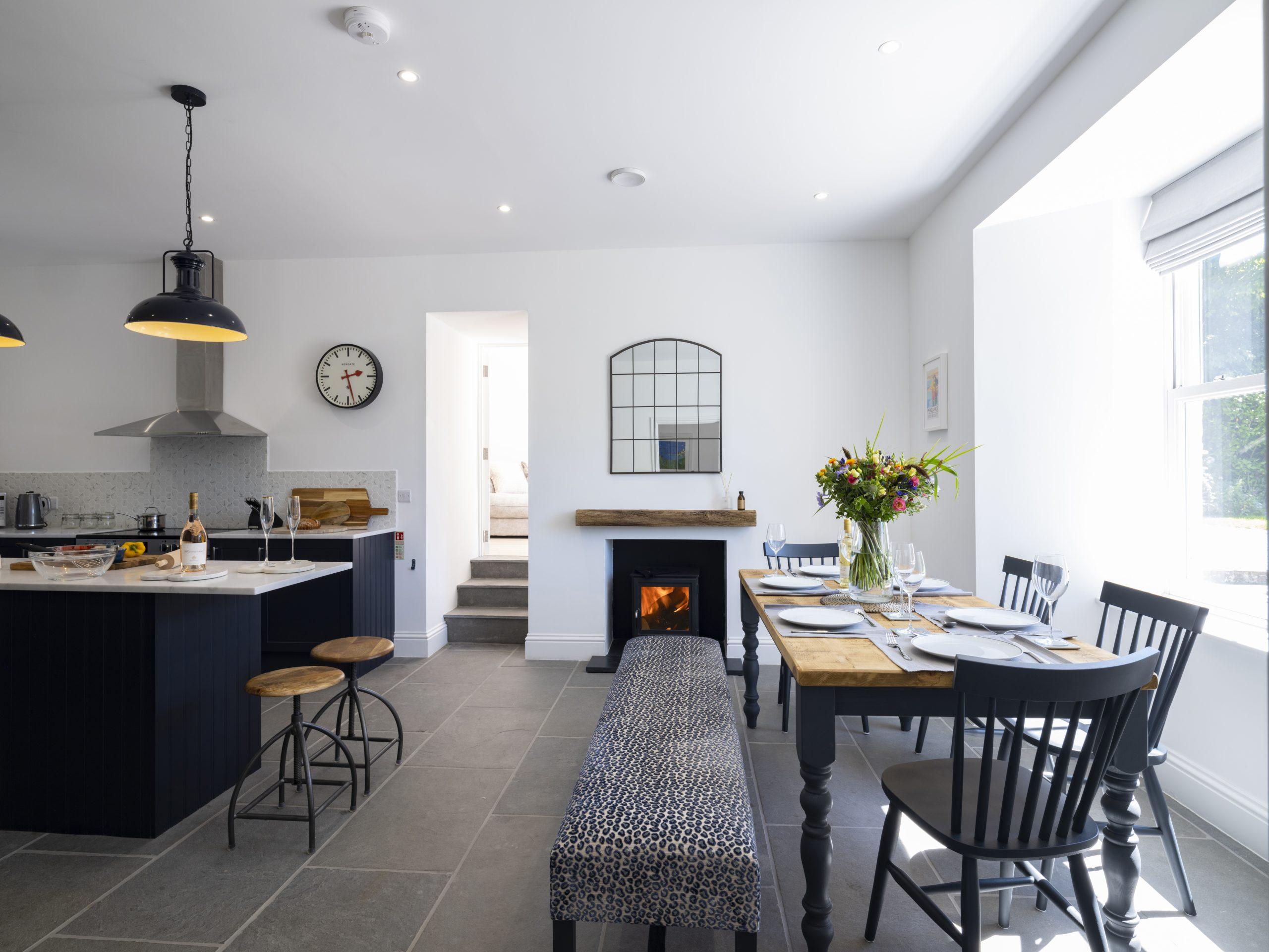 Drym House: Dining Area