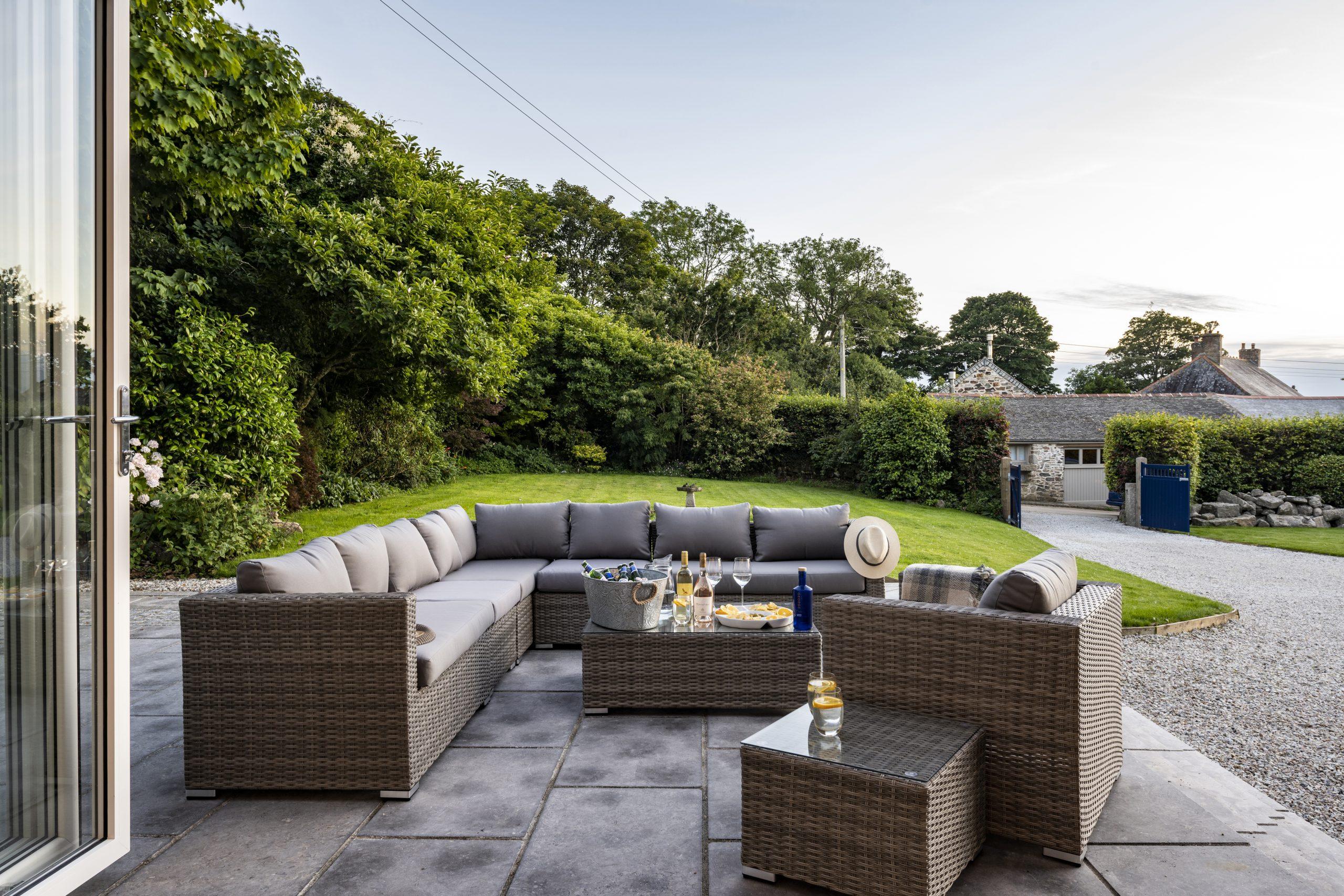 Drym House: Front Terrace