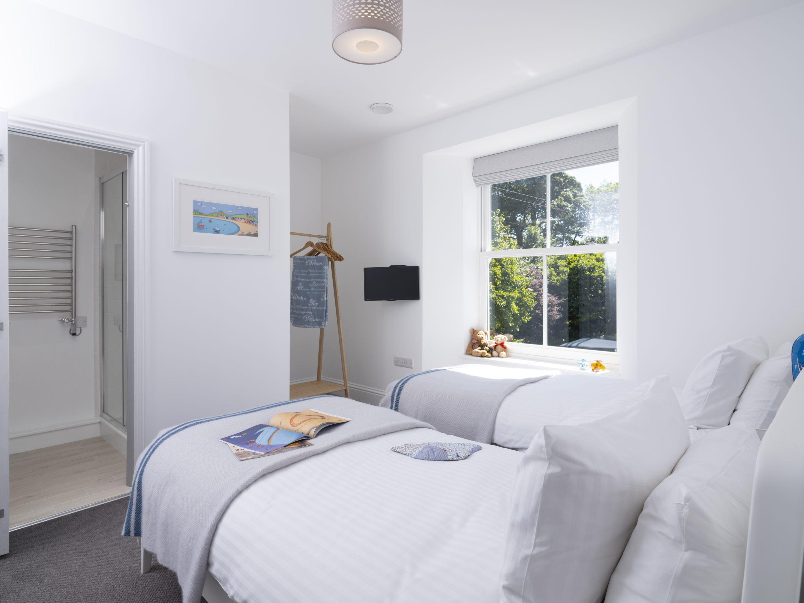 Drym House: Twin Bedroom