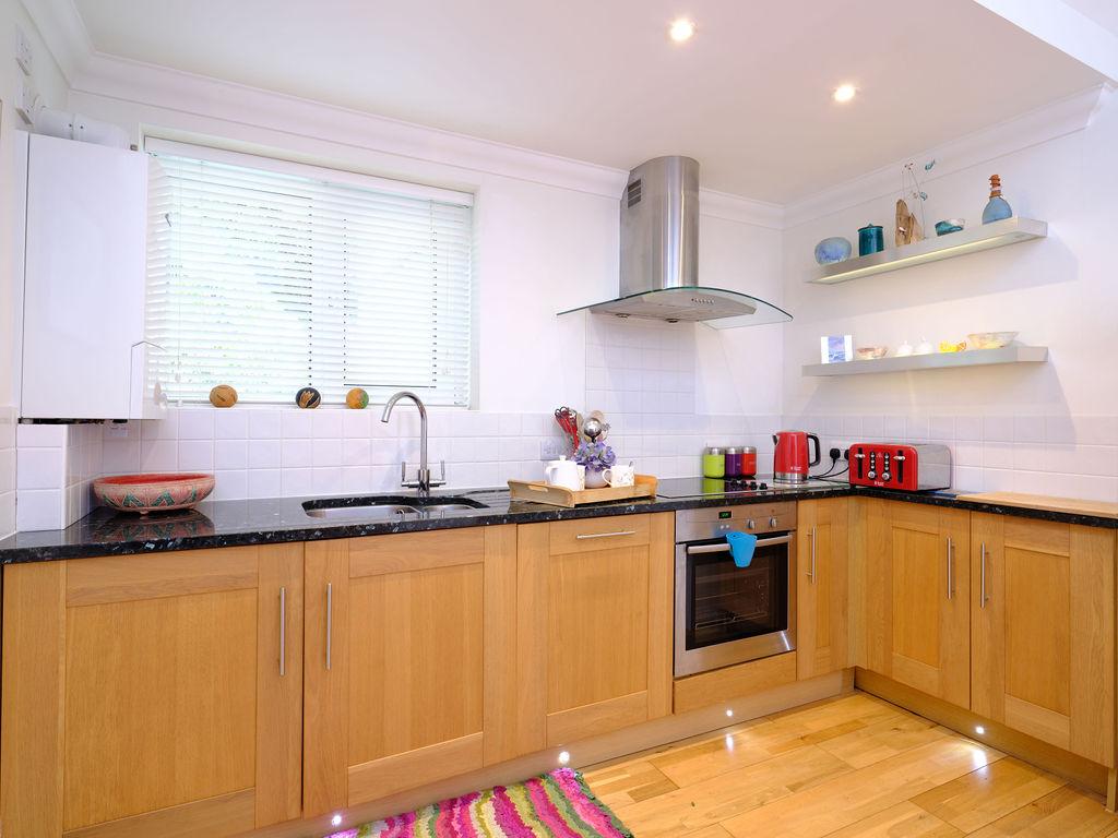 Godrevy: Kitchen