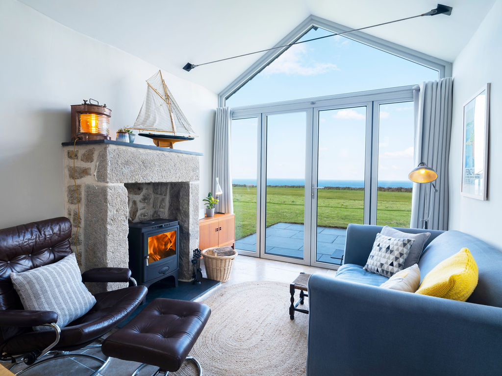 Beagle Cottage: Front Lounge