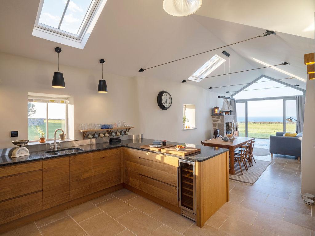Beagle Cottage: Kitchen